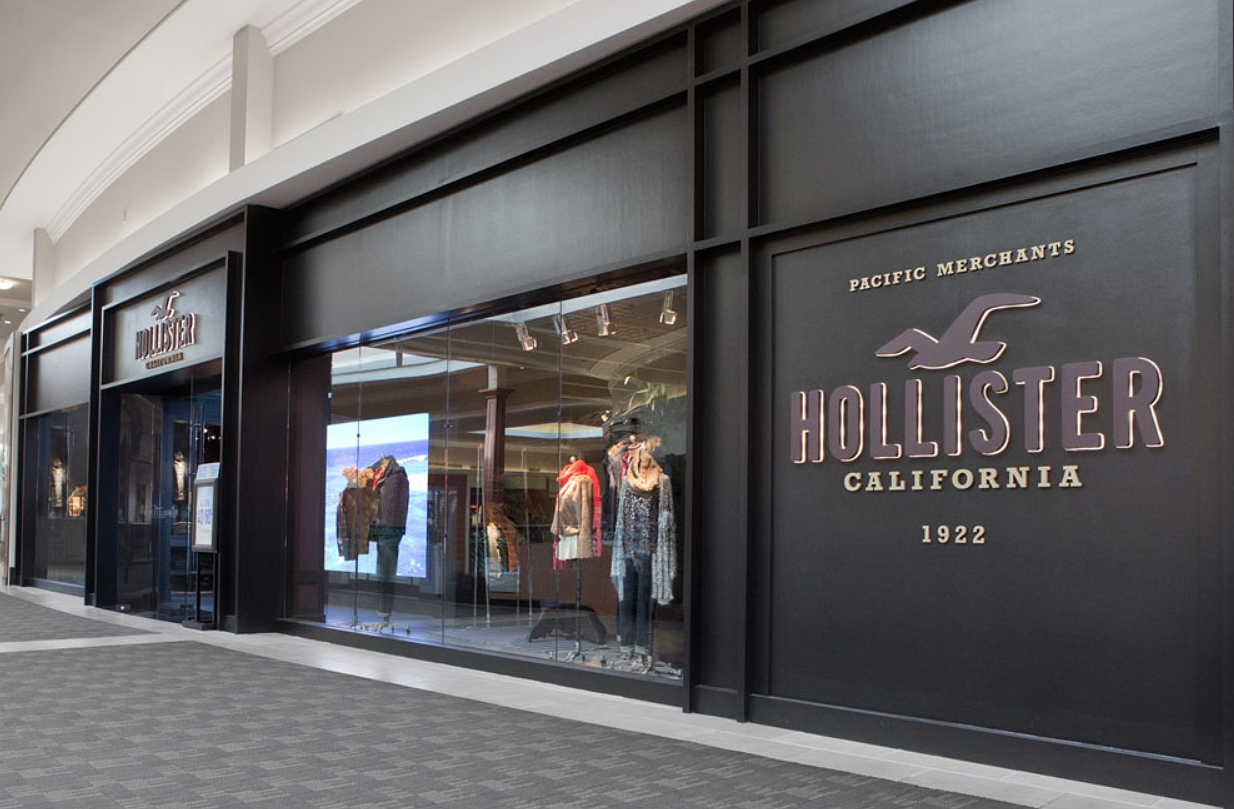 outlook of hollister store