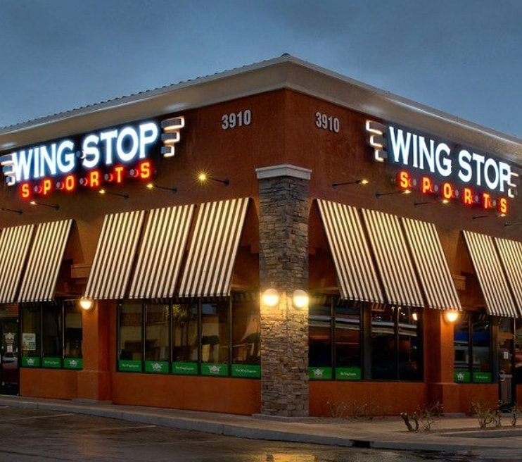 outlook of wingstop restaurant